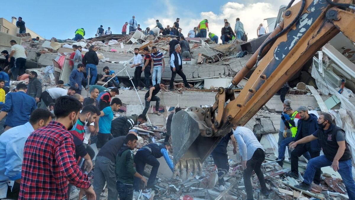 Terremoto de 7 grados sacude Turquía y Grecia; hay muertos y heridos