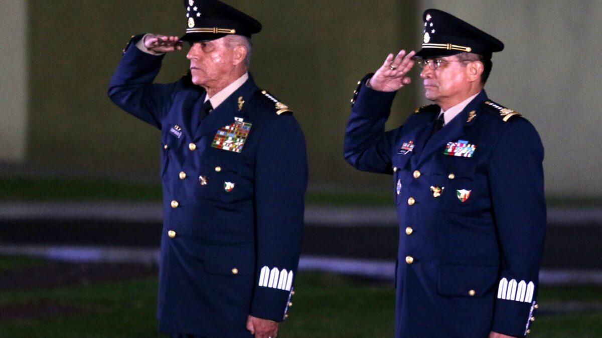 General Cienfuegos si es asesor de Sedena