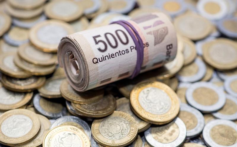Banxico mete freno a recortes y mantiene tasa en 4%