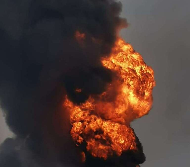 Incendio en refinería de Minatitlán se controló en 2 horas: AMLO