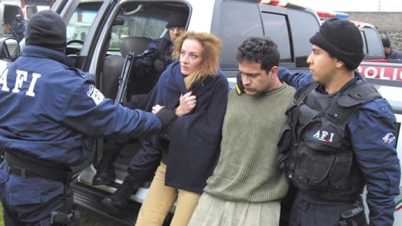 "AMLO muestra ""telemontaje"" sobre caso Florence Cassez"