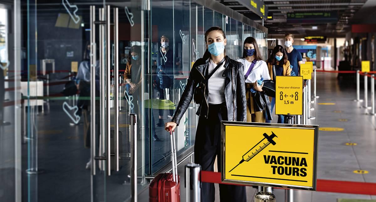 Agencias de viajes cambian tours; ofrecen llevarte a vacunar a EUA