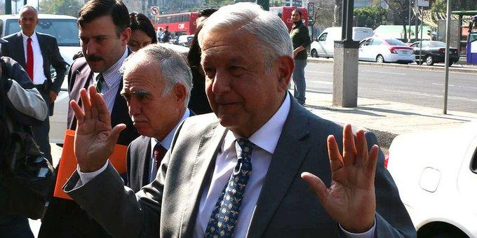 """""""Confíen en mí, voy por 3 últimas reformas"""": AMLO a IP"""