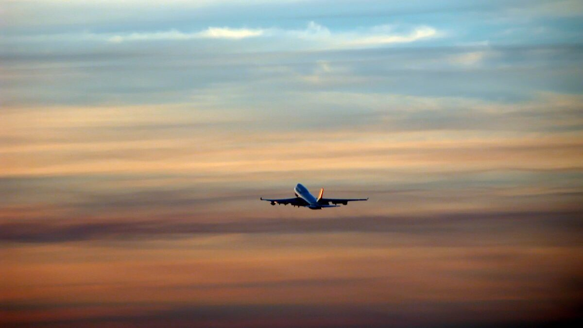 México firma convenio con EUA para recuperar grado de seguridad aérea