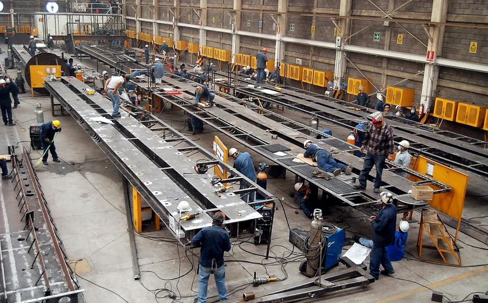 Actividad industrial crece en agosto; sigue pegando sector energía