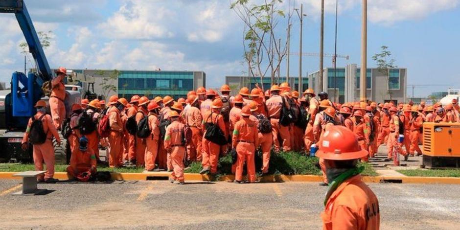 Tres trabajadores heridos por enfrentamiento en la refinería de Dos Bocas
