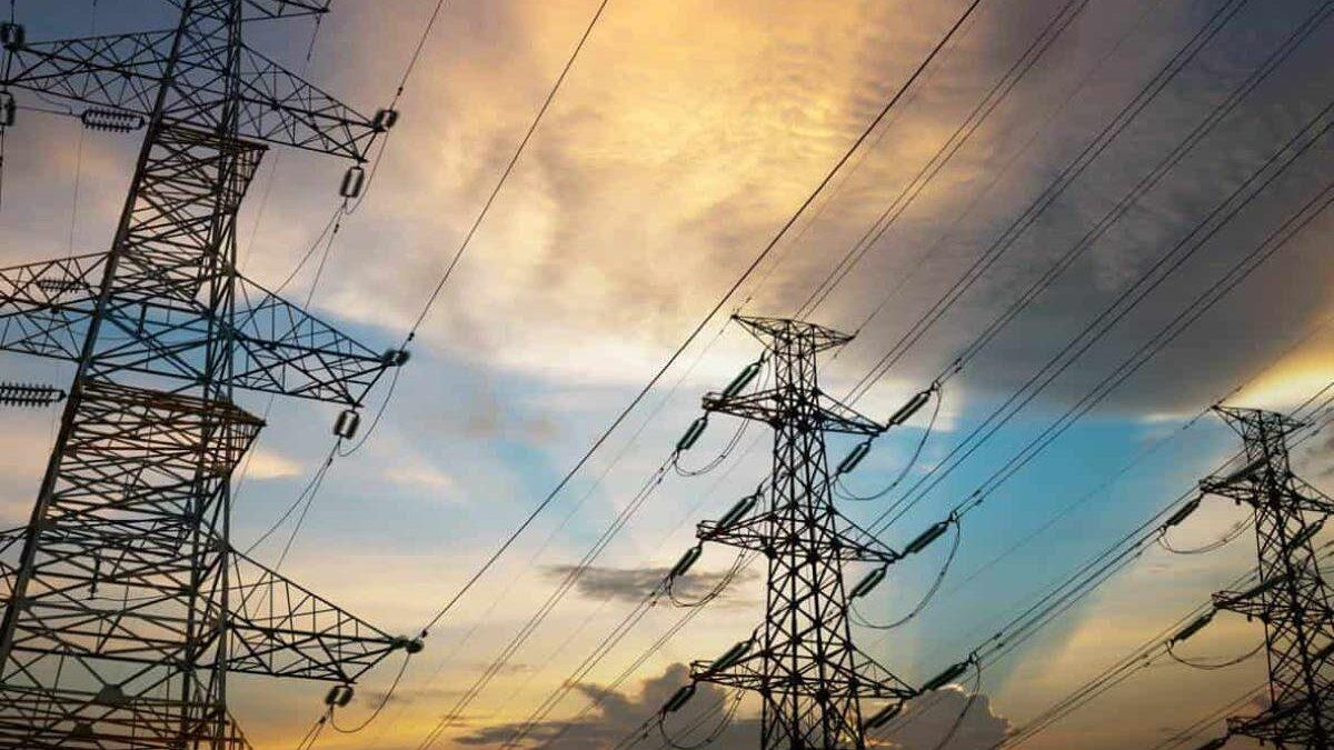 Reforma eléctrica no va en contra del T-MEC: AMLO